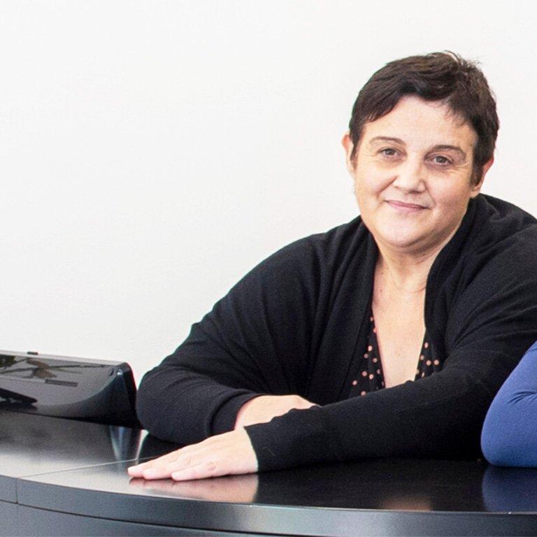 Lidia Anfossi, Agenzia Autoteam di Grinzane Cavour